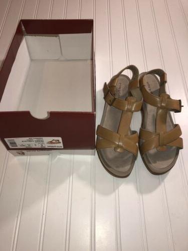 ladies size 9 wide tan leather sandals