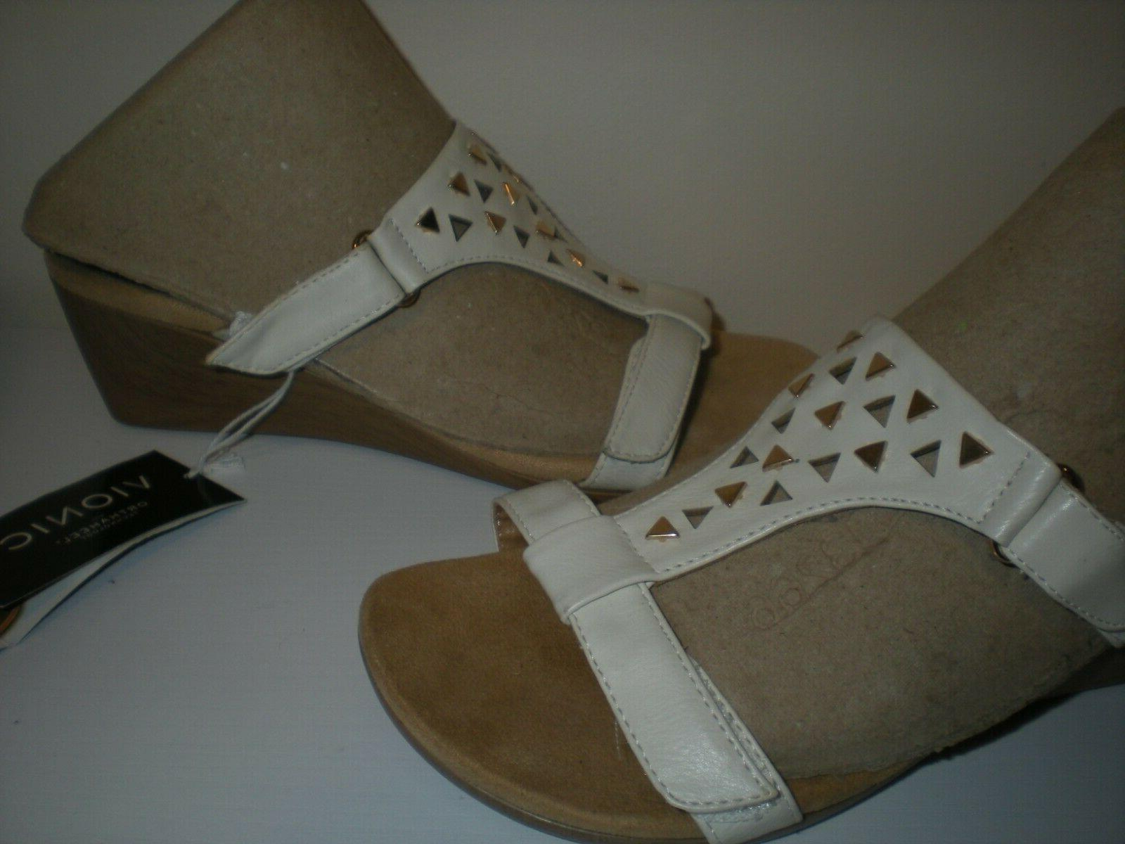 Vionic Women's Studded Triangle Sandals Size 5