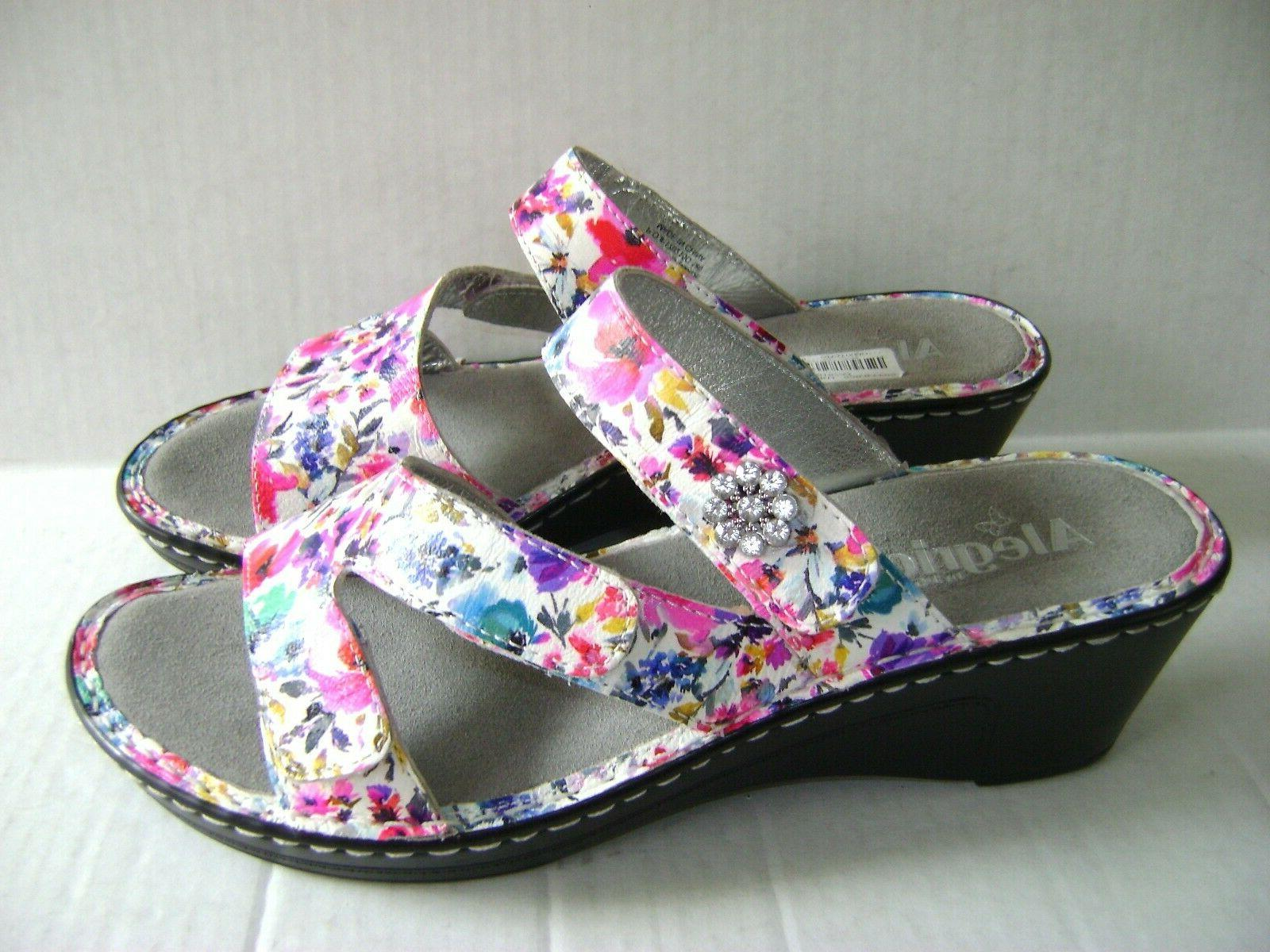 NEW $110 Perennial Wedge Shoes /42