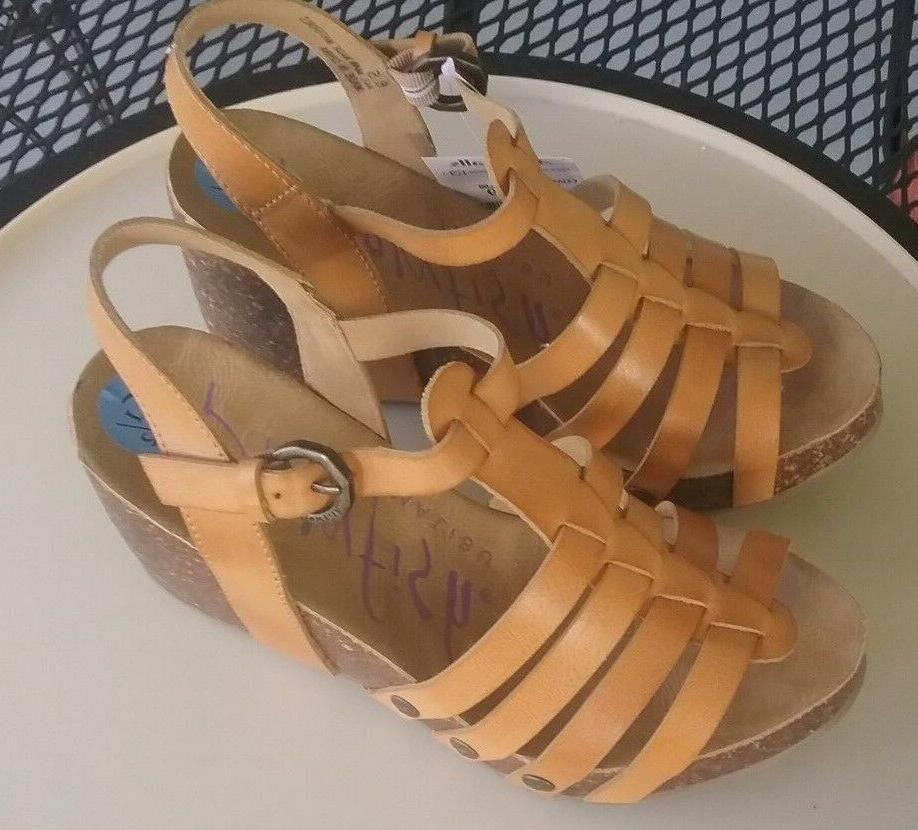 NEW STRAPPY WEDGE HEEL SIZE 6.5 M MINT