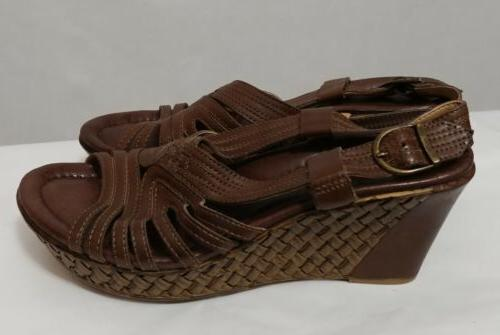 Earth Paradise Wedge Sandals In Dark