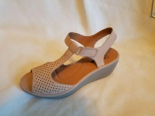 CLARKS Reedly Nubuck Leather Wedge Size 8 Wide