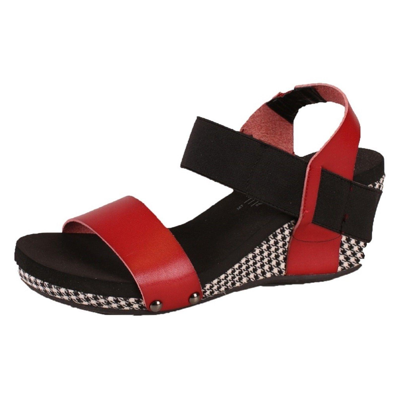 Women's Corkys Boutique BANDIT Houndstooth Wedge Sandal Shoe