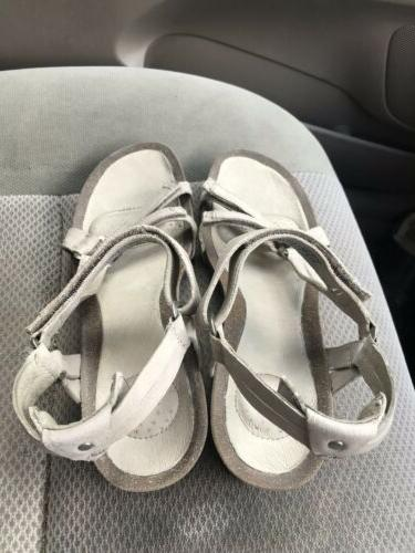 Women's Teva Ysidro Universal taupe leather ankle wedge 41