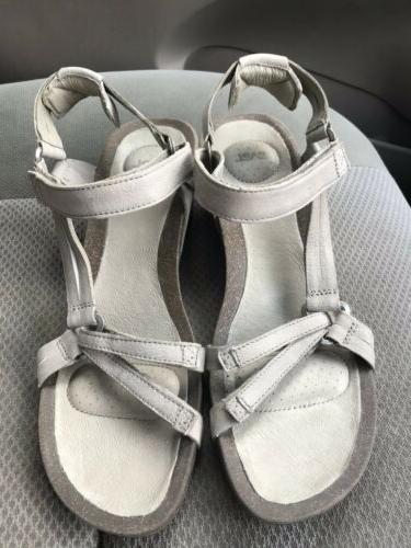 women s ysidro universal taupe leather ankle