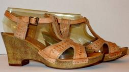 NEW CLARKS BENDABLES LEATHER WEDGE SANDALS SIZE 8.5 M! FREE