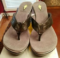 Volatile Women's *Pistachio* Pewter  Wedge  Sandals Size 8